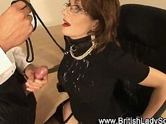 Stocking british milf Lady Sonia blowjob and cumshot