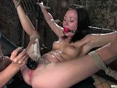 Horny Delilah Strong fingers her vagina and then gets her tits tortured with claws by Sindee Jennings. After that she also gets toyed with a vibrator.