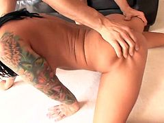 Tattooed torrid brunette Mason Moore gives a deepthroat and rides a dick