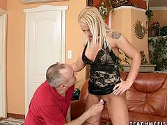 Lustful blonde Sarah Simon wants to get maximum satisfaction. Spoiled chick lifts her legs up and gets her pussy fingered and toyed.