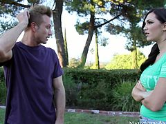 Bosomy brunette Holly Michaels gives outdoor slobbery blowjob to Bill Bailey
