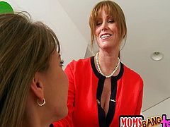 How Its Done (Darla - Riley) MomsBangTeens