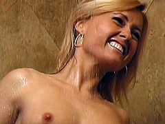 Naughty beauty Ginger likes to feel her wet pussy in amazing shower solo