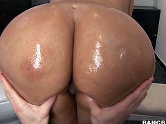 Behold this latina's amazing big fat oiled up butt in this hardcore sex video where she rides cock amazingly and gets her twat sexed hard.