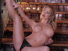Bootylicious sexy babe Angela Sommers takes off black thongs to tease her pussy