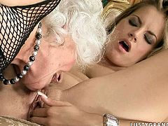 This young slut knows that she is driving her lesbian friend crazy so she makes her eat her delicious snatch. Press play and enjoy the show!
