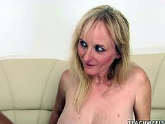 Sex-starved blonde has a nice set of big luscious tits and a playful attitude. Dirty-minded gals spreads hger legs wide to let her lesbian friend drill her snatch with baseball bat.