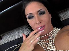 Slutty pornstar Jessica Jaymes is amazing when sucking cock in POV action
