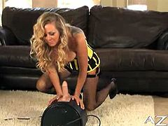 Dyanna Lauren is dressed in a super sexy dress and wants to show you how she has fun on the Sybian. She blows it and wants to ride it so bad!