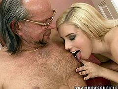 Kinky old young fuck video presented to you by 21 Sextury. Sexy blonde girl takes hard dick of old man in her pretty mouth sucking it deepthroat. Then she gets on top of his face keeping on sucking the stick deepthroat.