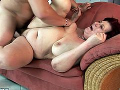 Cum addicted booty old whore presented in 21 Sextury xxx clip is too voracious. Spoiled harlot with droopy big tits does her best while sucking a strong cock passionately on the couch.