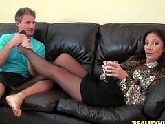 Margo Sullivan lifts her skirt up and gets her vagina licked by a younger guy. After that she gives him a blowjob and gets fucked properly.
