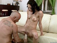 Ardent brunette hussy gets her stretched pussy dildo fucked by rapacious daddy