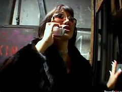 Two sex hungry dudes invite an experienced brunette prostitute Ava Devine. She arrives wearing a luxurious fur coat over a steamy lingerie and stockings. As soon as she gets in, she goes down on her knees to give them double blowjob in threesome sex orgy by Pornstar.