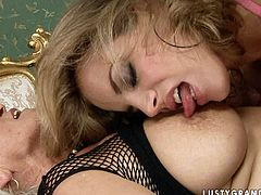 Mesmerizing blonde woman has got hell arousing appeal. This granny knows it best. Grey lover seduces blonde bombshell for lesbian sex. So she gets her saggy boobs suckled.