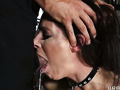 Keiran Lee has a great time banging India Summer in the back yard