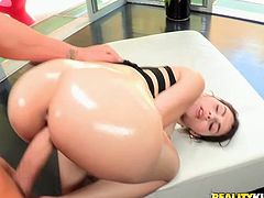 What happens on that day with Valentina is something in-ordinary! Honey gets to be fucked in her ass and in her pussy and then she cleans his cock up with her mouth!