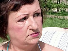 Spoiled fat short haired old brunette seduces young dude near the pool. She takes him home and spreads legs to get her soaking mature cunt eaten right away in steamy 21 Sextury xxx clip.
