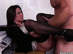 Rachel Roxxx with big bottom and trimmed cunt enjoys another sex session with Johnny Castle