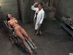 What a charming and gorgeous brunette gets lured and humiliated here! Amaziing BDSM scene to watch and enjoy, as Mason Moore will stand it from Maitresse MAdeline!
