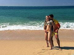 Slim blonde hottie and her BF are having a good time on a beach. They kiss and pet each other passionately and then have fantastic anal sex in the reverse cowgirl and other positions.