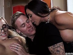 Cody Sky gets pleasure from fucking With gigantic jugs in her sweet mouth