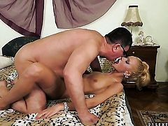 Chary Kiss gets hardcored by hot guy