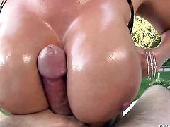 Exotic fulfills her sexual desires with Jonni Darkkos boner in her mouth