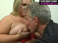 Grey daddy seduces blonde BBW gal for sex. Horny chick doesn't mind having sex with him in front of the camera so they both head to the porn studio. When they are indoors sassy chick gets her clam polished.