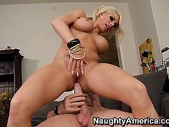 Evan Stone makes his hard cock disappear in saucy Brooke Havens vagina