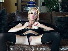 Adventurous Brett Rossi spreading legs and using vibrator for double pleasure