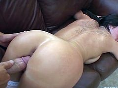 Babe named Kendra Secrets can heal any man! She grabs him for a blowjob and then rides his huge cock! She got some sexperience!