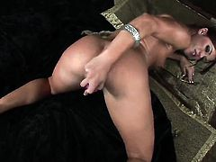 Alyssa Reece with small tits and trimmed cunt fills the hole between her legs with vibrator