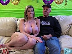Among the hundreds of porn videos with Sara Jay, we pick this one! She comes to the studio and gets drilled on the couch!