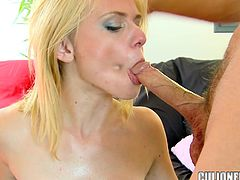Perfectly hot blondie can't wait to be jizzed on her face