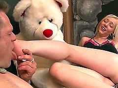 Eric Jover and Rylie Richman in foot fetish