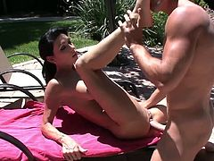 Hot pornstar in outdoor hard fuck