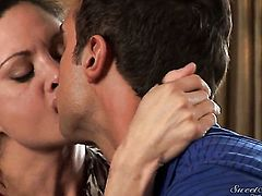 Rocco Reed exlodes after Stephanie Swift gives magic blowjob