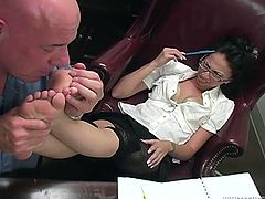 Hot Brunette Taking Care of Some Foot Fetish Fun for Her Man