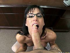 Devilish porn slut Gia Dimarco delivers deepthroat blowjob to her boss in the office