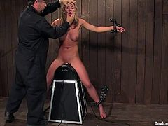It doesn't matter whether she wants it or not, babe is going to be fucked by a fucking machine. Well, she did not want at first, but as it drills her muff, she starts liking it!