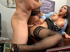 Voracious MILF with juicy jkugs Alexis Breeze is nailed hard missionary style