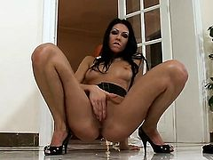 Brigitte Hunter with tiny boobs and hairless snatch enjoys great solo session