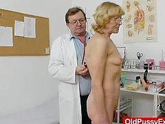 After masturbating in front of the Doc, Dzamila decided, that it is time for her to show that shaved vag of hers to the Gynecologist for a gyno