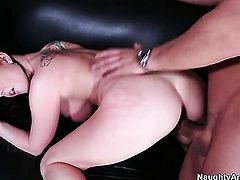Mick Blue puts his dick in seductive Loni Evanss muff