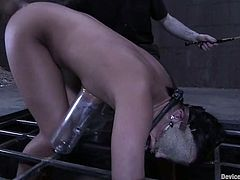 This sassy and naughty siren Alexa Jordan is such a lust. She gets tied up all over and that iron yoke makes her numb. So she enjoys some painsult!