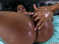 This dark-skinned temptress is the full package! She has a lovely pair of well-matured tits and a big juicy ass. Breathtaking sex goddess makes her lover worship her delicious pussy. Then she returns the favor and sucks his swollen dick for delicious cum.