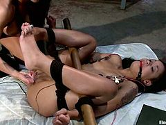 There's kinky BDSM action in store for Skin Diamond and the one giving the torture, bondage and toying to her is no other than Gia Dimarco