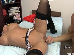 Luscious MILF Nikita Von James gets poked hard missionary style