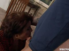 Hungry for cock sultry MILF is craving for hard flesh in her mouth. She takes throbbing hard dick in her mouth sucking it greedily.